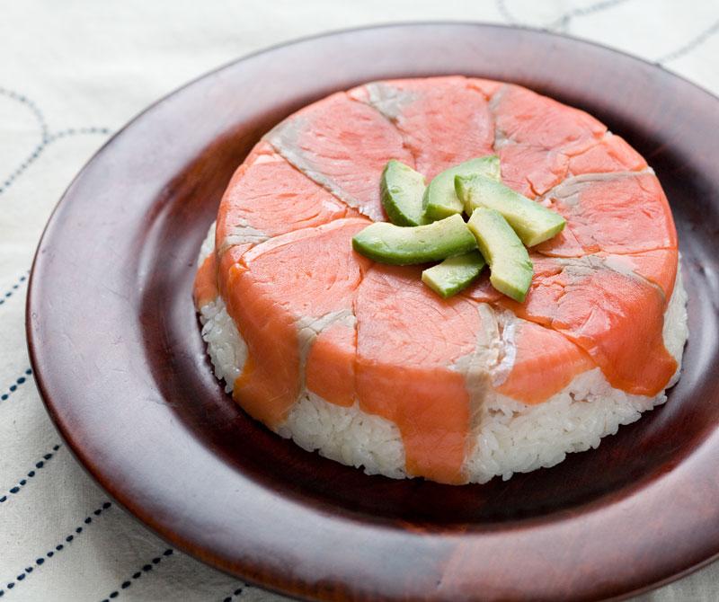スモークサーモン寿司